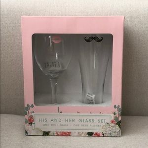 💋NIB His and Hers Glass Set💋